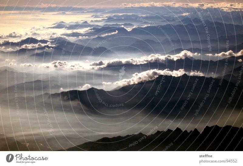 Alpen Himmel Wolken Berge u. Gebirge Flugzeug Nebel Schweiz Italien
