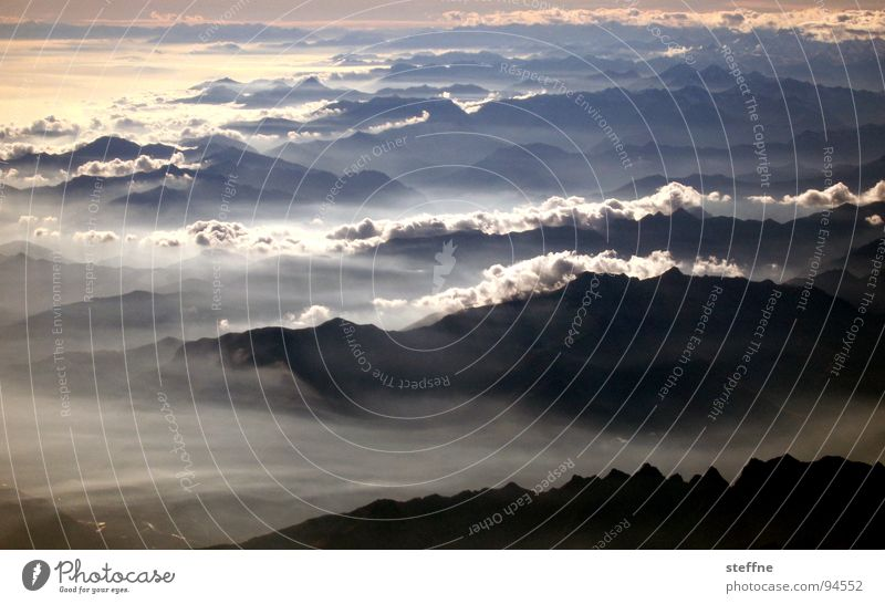 Alpen Wolken Flugzeug Italien Schweiz Morgen Nebel Berge u. Gebirge Himmel Morgendämmerung