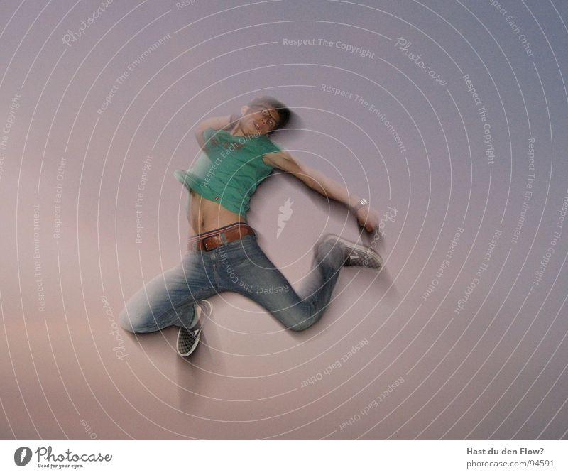 Airwalk Himmel Ferien & Urlaub & Reisen Mann blau grün Junger Mann Bewegung Glück braun Stimmung springen Freizeit & Hobby violett Körperhaltung Jeanshose Bauch