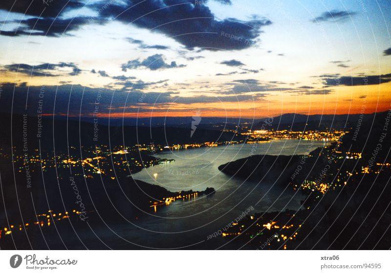 Annecy 1 Lac d'Annecy Frankreich See Wolken Sonnenuntergang spät Gewässer dunkel schwarz Aussicht Panorama (Aussicht) Wasser Licht Abend Himmel blau