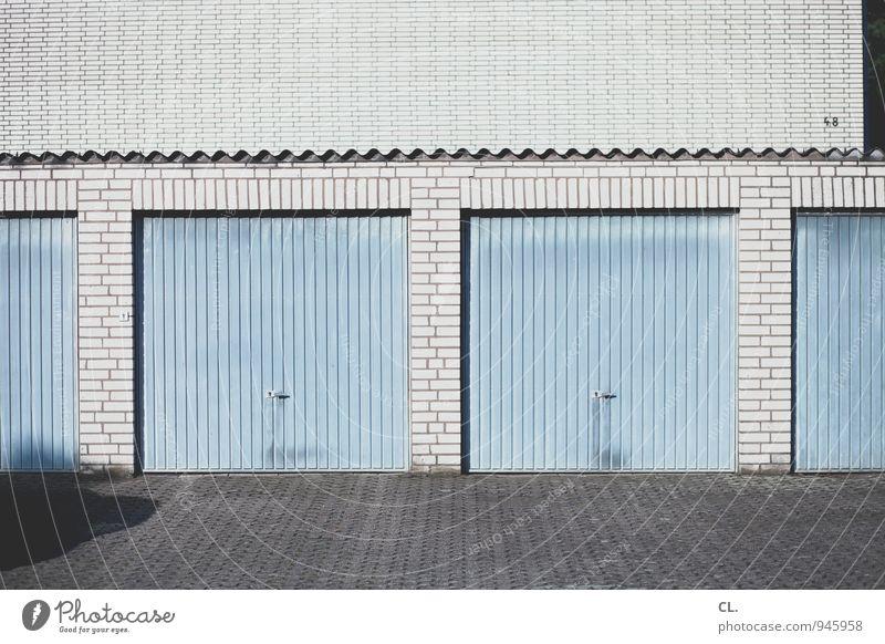 star escalator blau Wand Wege & Pfade Mauer grau trist Verkehr Autofahren Parkplatz parken stagnierend Garage Hausnummer Garagentor Parkplatzsuche