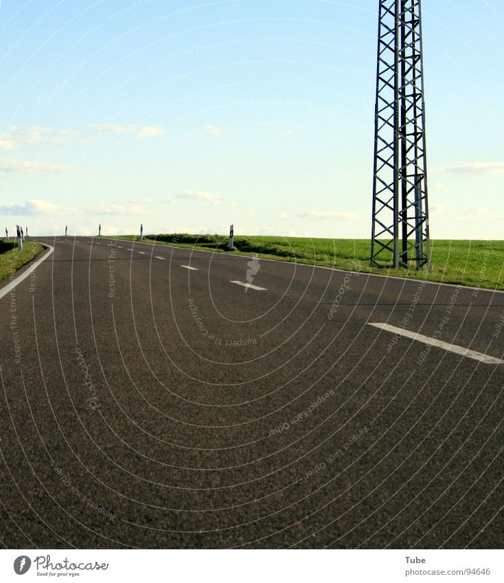 Zum Horizont - Nach Links II Himmel Natur blau weiß grün Baum Wolken Landschaft Ferne Wiese Straße Wärme Gras Freiheit grau