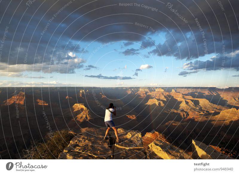 mucho mambo grande Mensch feminin Körper 1 30-45 Jahre Erwachsene Umwelt Natur Landschaft Urelemente Erde Sand Luft Himmel Wolken Gewitterwolken Sonne Schlucht
