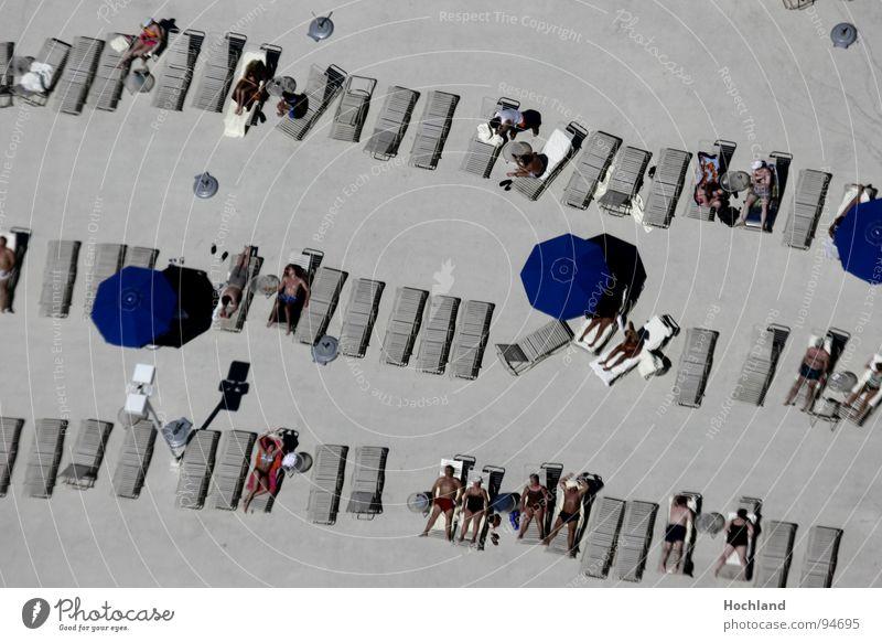 Faulheit auf hohem Niveau ruhig schlafen Ferien & Urlaub & Reisen Erholung Sonnenschirm Bad Sonnenbad Stratosphere Las Vegas Bräune grau Hochhaus Nevada