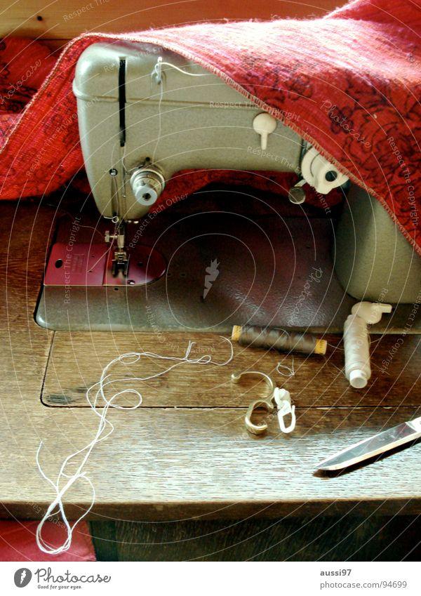 Fadenbändiger Nähmaschine Nähen Schneider Schneidern Nähgarn Handwerk Hose Pullover Industrie Schere Designer Flicken zusammenflicken