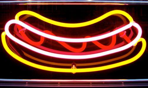 german neon wurst Ernährung Schilder & Markierungen Werbung Neonlicht Wurstwaren Fastfood Cheeseburger Würstchen Currywurst Emotiondesign