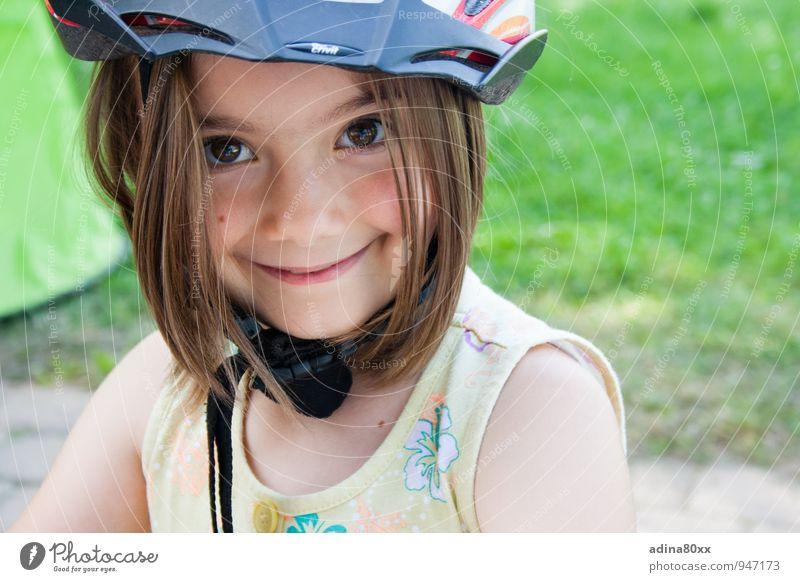 Sicher Erholung Mädchen Freude Bewegung Sport Glück Schule Freizeit & Hobby leuchten Erfolg Kindheit Lächeln lernen Abenteuer Fahrradfahren Schutz