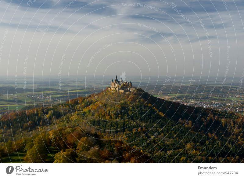 Hohenzollern II Ferien & Urlaub & Reisen Tourismus Ausflug Landschaft Himmel Herbst Wald Hügel Hechingen Deutschland Europa Menschenleer Burg oder Schloss