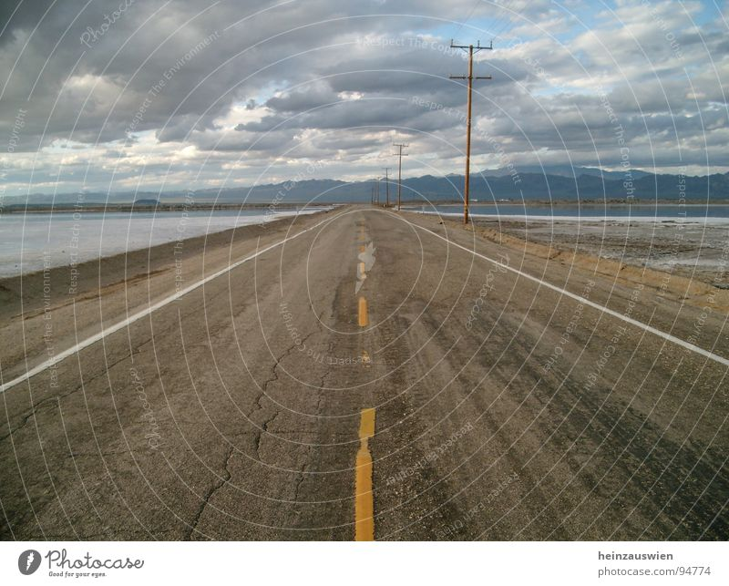 Long Road to Vegas Himmel Straße USA Autobahn Amerika Las Vegas Los Angeles Route 66 Death Valley National Park