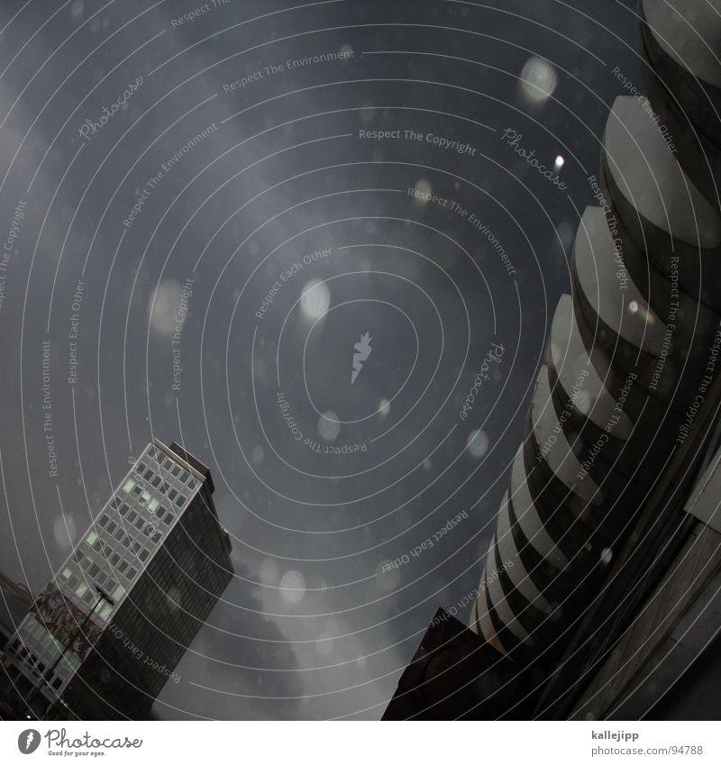 wellenbrecher Stadt Haus Berlin Architektur Regen Wetter Wellen Wind Fassade dreckig Klima Platz Hochhaus Bildung fallen Wissenschaften