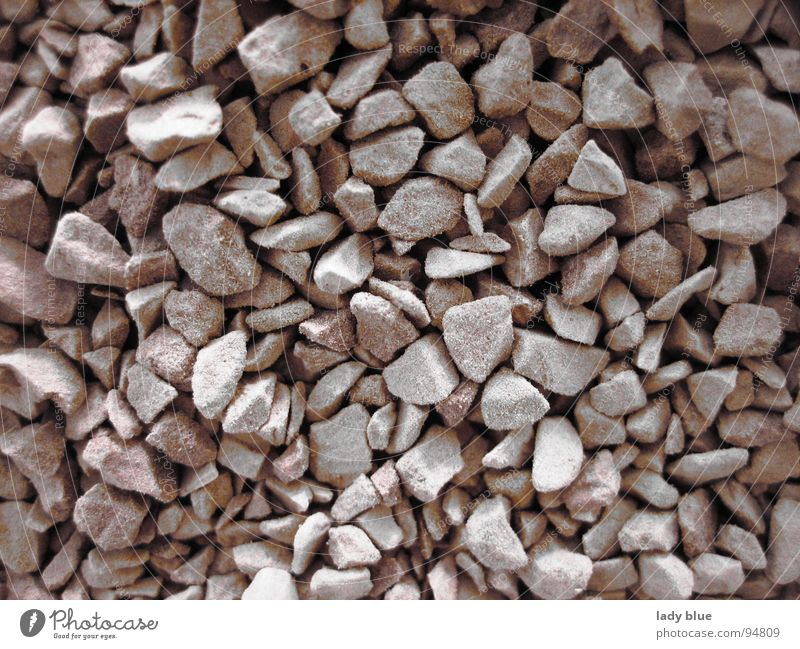 graue Steinchen Steinhaufen nah Licht & Schatten dunkel weiß schwarz Ecke braun Makroaufnahme Nahaufnahme Erde Sand Berge u. Gebirge graue Steine Kaffeegranulat