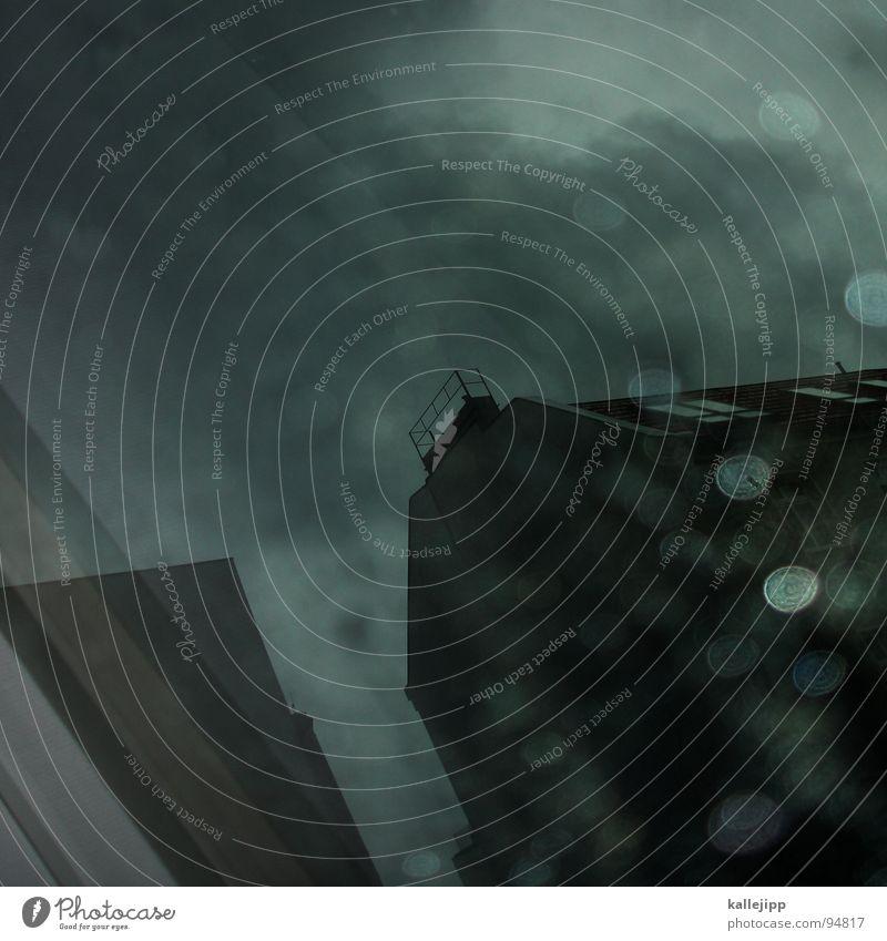 regenwand Stadt Haus Architektur Regen Wetter Wellen Wind Fassade dreckig Klima Platz Hochhaus fallen Unwetter Sturm chaotisch