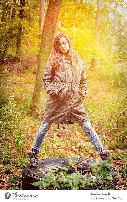 Herbstwaldporträt Mensch Frau Kind Natur Jugendliche schön Wald Erwachsene Leben feminin Stil Stimmung Mode Lifestyle 13-18 Jahre