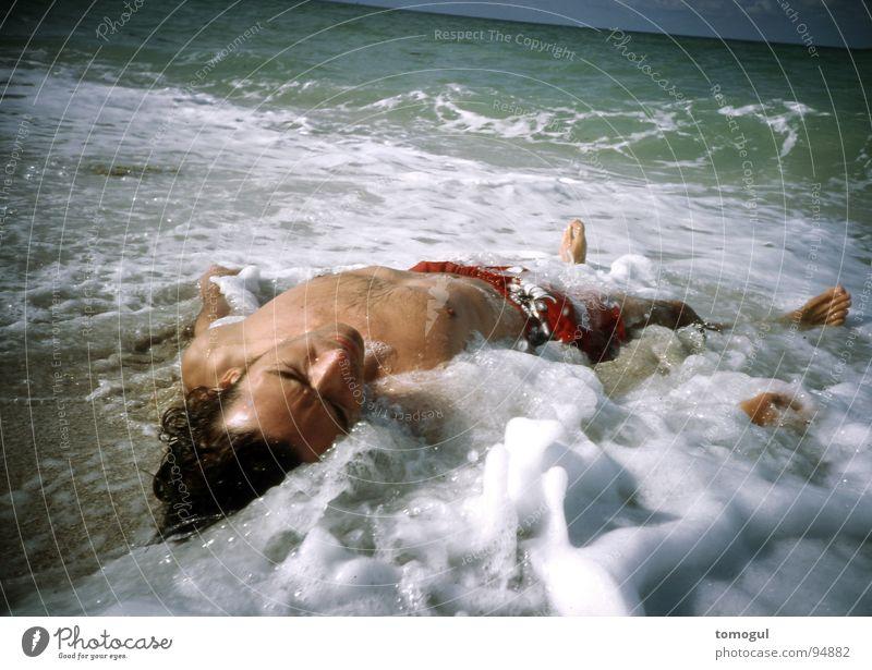 Tag 1 Wasser Meer Strand Küste gefährlich ertrinken gestrandet Strandgut