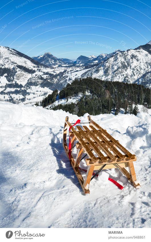 white winter land, wooden sledge Natur Ferien & Urlaub & Reisen blau weiß Erholung Landschaft Freude Winter Wald kalt Berge u. Gebirge Umwelt Schnee Holz