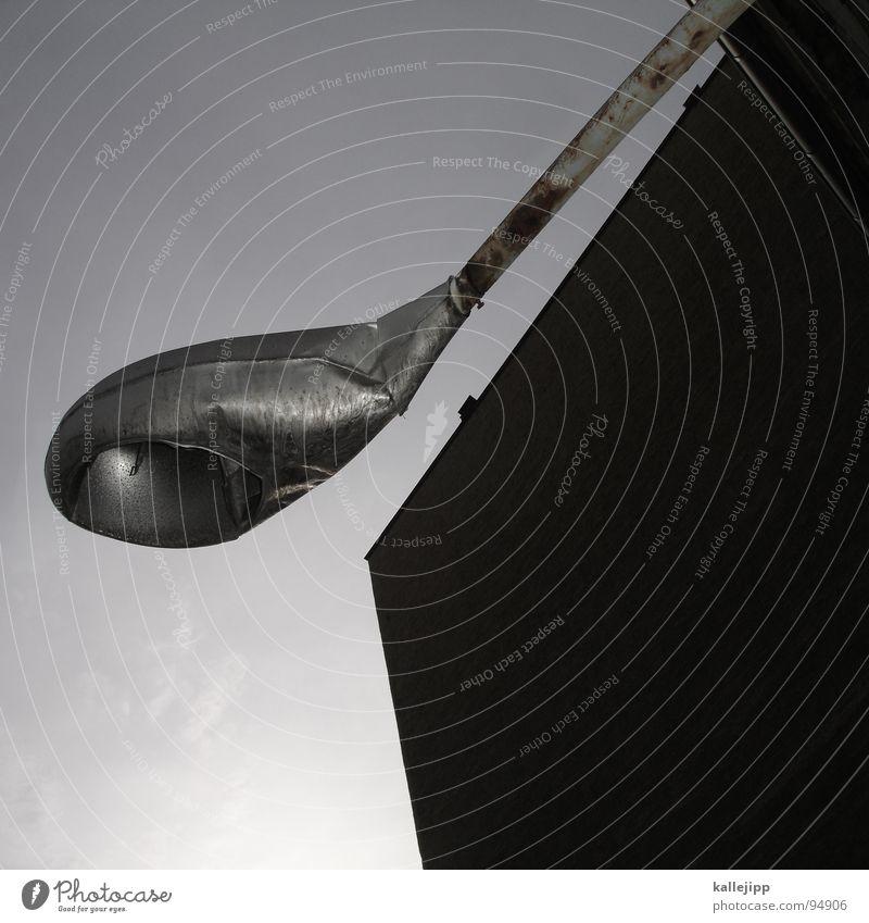 liebhaberteil Himmel Architektur Mauer Lampe Regen Beton Backstein Laterne Straßenbeleuchtung Gewitter DDR Hinterhof Lager Osten Lagerplatz