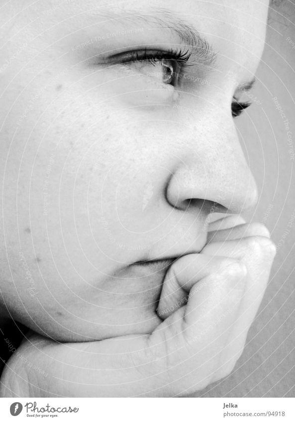 Einen Gedanken verloren Mensch Frau Hand Gesicht Erwachsene Auge Denken Mund Nase Strebe abstützen aufstützen