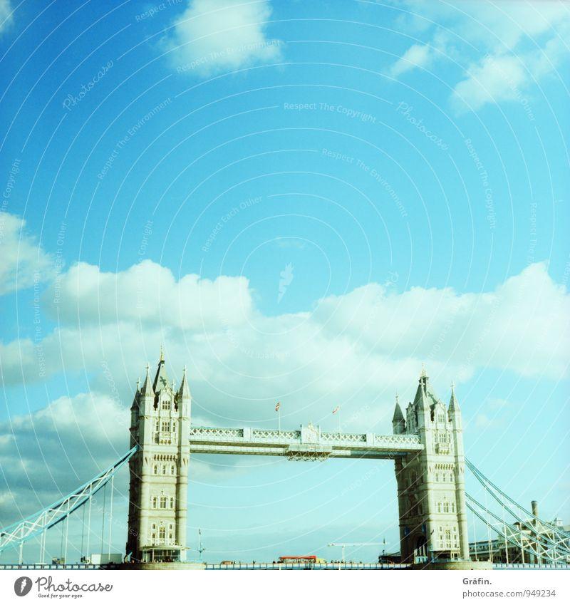 Should I stay or should I go Ferien & Urlaub & Reisen Tourismus Ausflug Sightseeing Städtereise London Großbritannien Hauptstadt Brücke Bauwerk Gebäude
