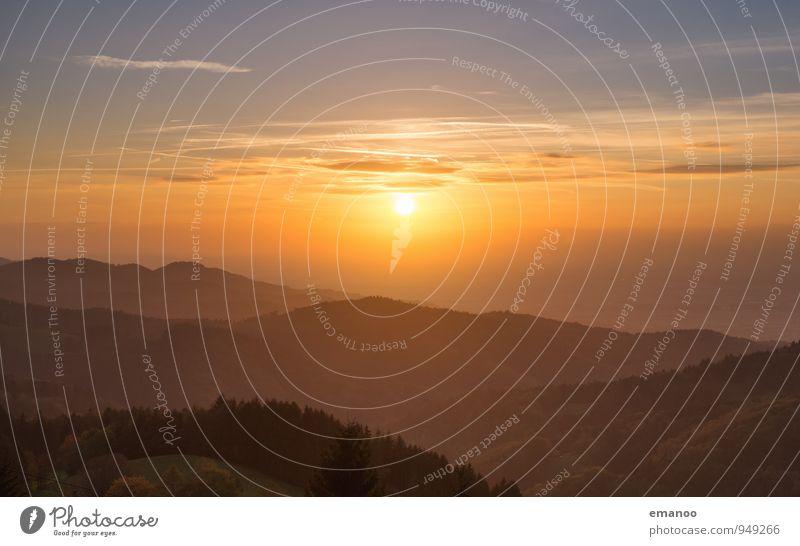 Abendnebel Natur Ferien & Urlaub & Reisen Sommer Sonne Landschaft Wolken Ferne Wald Berge u. Gebirge Umwelt Wärme Freiheit Horizont Tourismus Wetter Nebel
