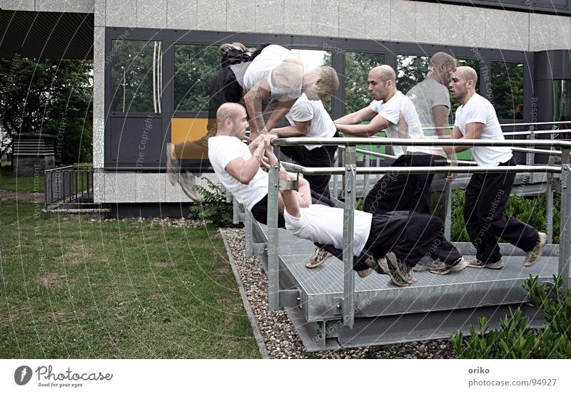 reverse Sport springen Spielen Bewegung laufen Freizeit & Hobby sportlich Abfluss rückwärts Drehung Trick Le Parkour