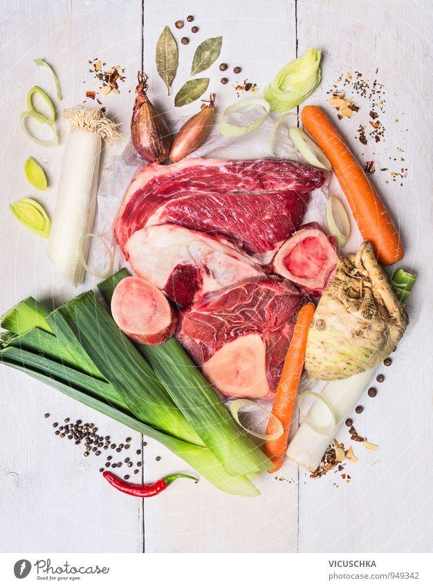 rohes Gemüse und Fleisch , Zutaten für die Brühe Gesunde Ernährung Stil Lebensmittel Lifestyle Freizeit & Hobby Design Ernährung Kochen & Garen & Backen Kräuter & Gewürze Gemüse Bioprodukte Fleisch Abendessen Diät Mittagessen Zutaten