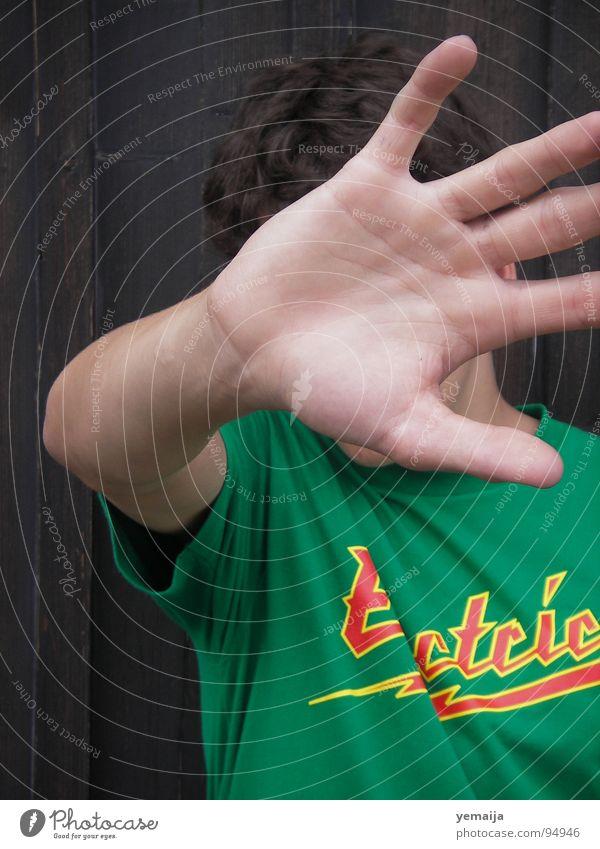 stop it. Mensch Mann Hand Jugendliche grün Junge Bewegung braun Angst Arme rosa gefährlich bedrohlich Schutz stoppen Kontakt