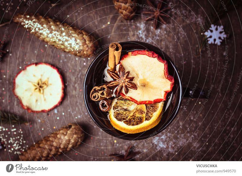Glühwein Tasse mit Obst und Wintergewürzen Lebensmittel Frucht Kräuter & Gewürze Bioprodukte Vegetarische Ernährung Getränk Heißgetränk Tee Alkohol Wein