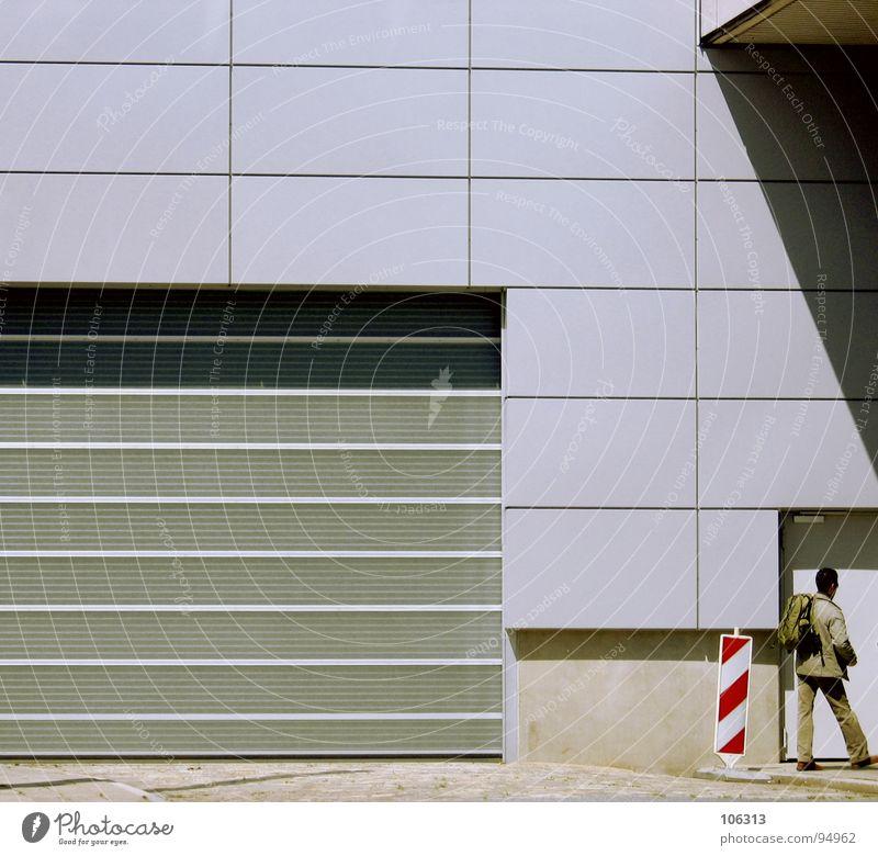 BACK HOME [GOOD BOY] Mensch Mann Haus Arbeit & Erwerbstätigkeit Stein Linie Glas Tür Industrie Tor Eingang Warnhinweis Arbeiter Bremen Signal