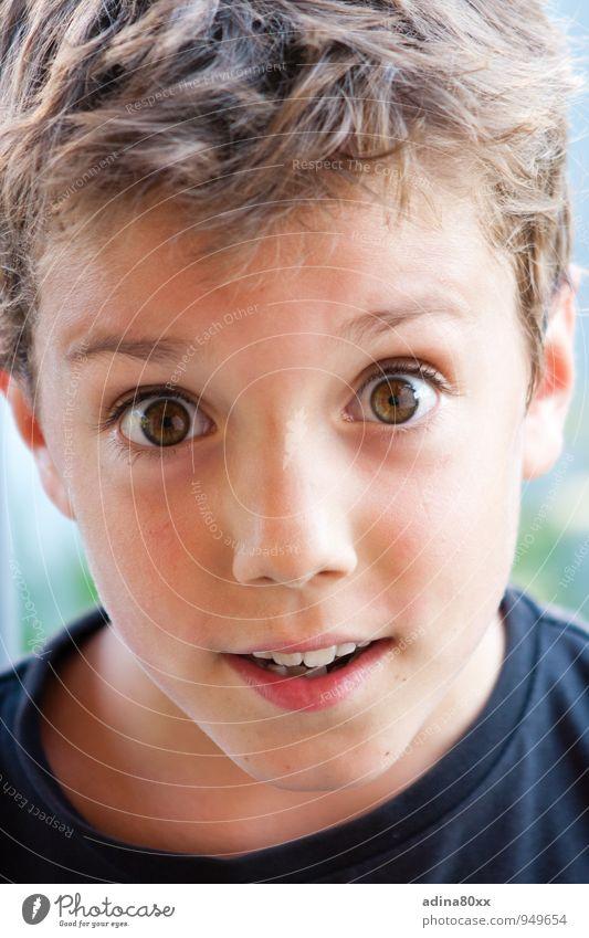 Echt?! Kindererziehung Bildung Kindergarten Schule lernen Junge Kommunizieren Blick frech natürlich Neugier Optimismus Kraft Willensstärke achtsam Wachsamkeit