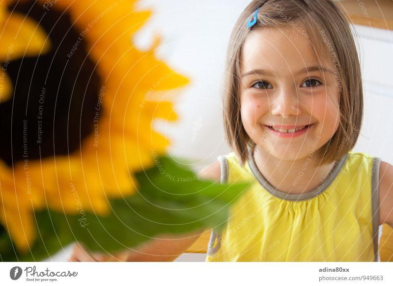 Sonnenkind schön Mädchen Freude gelb natürlich Glück Gesundheit Freundschaft Zufriedenheit authentisch Kindheit Erfolg Zukunft Lebensfreude Hoffnung Neugier
