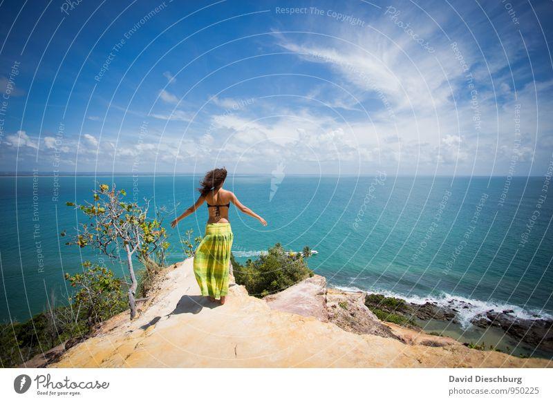 Be free II Mensch Himmel Natur Ferien & Urlaub & Reisen Jugendliche blau grün weiß Sommer Junge Frau Erholung Meer Einsamkeit Landschaft Wolken Ferne