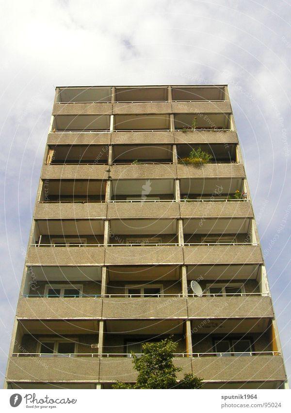 hinterm alexanderplatz Hochhaus Plattenbau vertikal Osten Alexanderplatz Architektur Berlin DDR trist