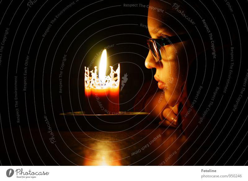 Worldwide Candlelightning Mensch Kind Jugendliche Hand Mädchen dunkel Gesicht Auge Wärme feminin Haare & Frisuren hell Kopf leuchten Kindheit Haut