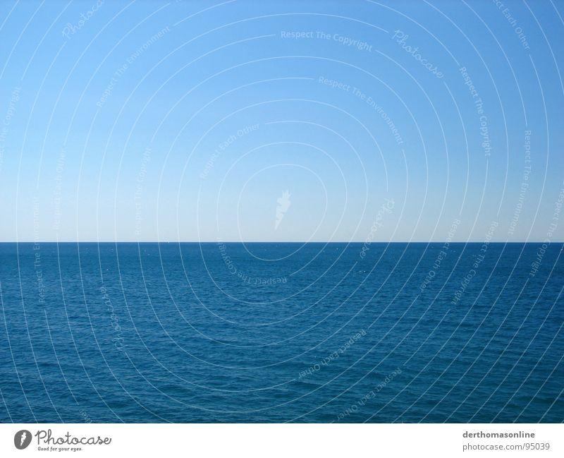 Stylism Wasser Himmel Meer blau Ferien & Urlaub & Reisen ruhig Ferne Erholung Linie Wind groß Horizont Trauer Aussicht einfach tauchen