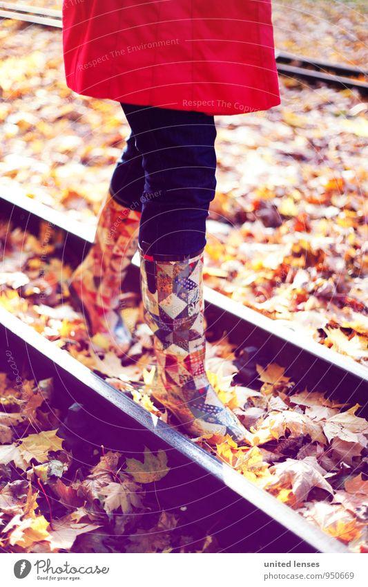 AK# Railwalk Kunst ästhetisch Zufriedenheit Stiefel Mode Hose Mantel rot Gleise Spaziergang laufen schreiten herbstlich Herbstlaub Herbstfärbung Herbstbeginn