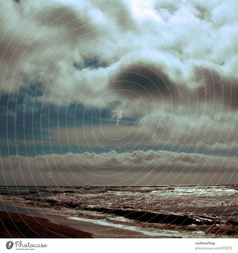 mr blue sky kommt Sonnenstrahlen dramatisch Natur Strand Horizont Küste Freude Kunst Kunsthandwerk sonbeam clouds volken an'n strann dramatic seascape