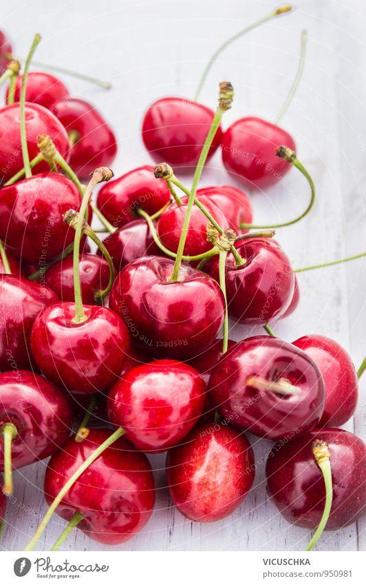 Süßkirschen auf weiß Holztisch Natur weiß Sommer rot Gesunde Ernährung Leben Holz Hintergrundbild Garten Lebensmittel Lifestyle Freizeit & Hobby Frucht Design Tisch süß