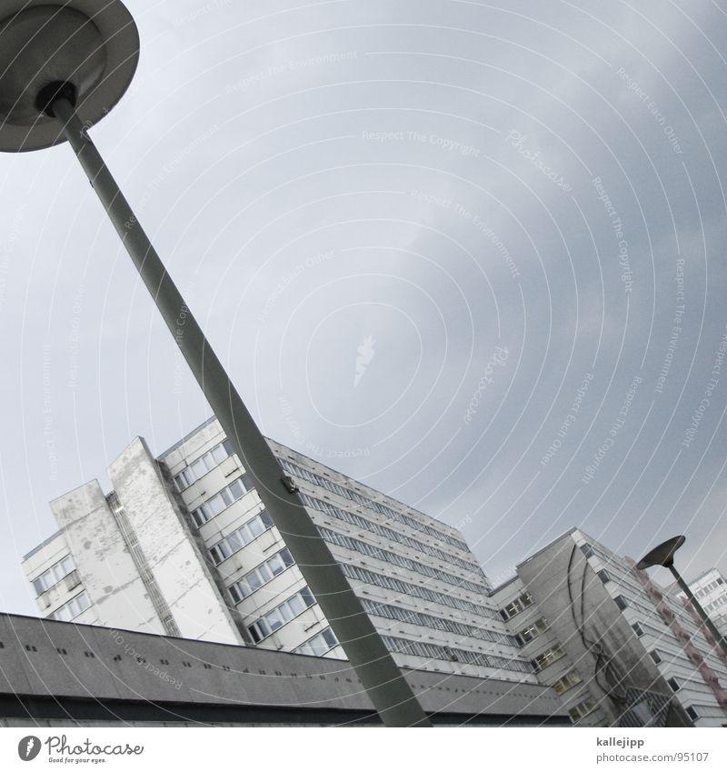 ufo Himmel Stadt Leben Berlin Fenster Landschaft Architektur Raum Beton Hochhaus Fassade rund Häusliches Leben Balkon Etage Geländer