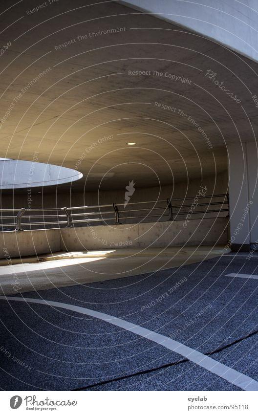 Mein Haus, mein Auto, meine Frau...MEINE GARARGE ! Sonne Architektur grau Linie Beleuchtung groß Platz Beton Verkehr modern leer neu Streifen rund Geländer KFZ