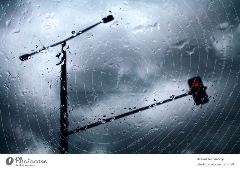 Waschtag Himmel Wasser Ferien & Urlaub & Reisen kalt dunkel Fenster Linie Regen Verkehr Wassertropfen bedrohlich Buchstaben Hinweisschild Punkt Gewitter