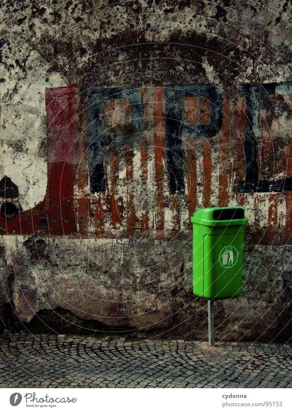 Urban Green I Ferien & Urlaub & Reisen alt Stadt schön grün Wand Leben Gefühle Stein außergewöhnlich Ecke Wandel & Veränderung Zeichen neu Symbole & Metaphern