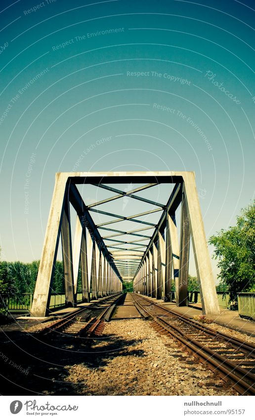 rheinbrücke Gleise Stahl Eisenbahnbrücke Brücke Himmel blau Schönes Wetter Metall Stein Rhein Fluss