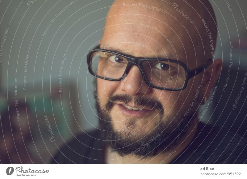 I Like Birds maskulin Mann Erwachsene Kopf 1 Mensch 30-45 Jahre Piercing Ohrringe Brille Glatze Bart Freundlichkeit Fröhlichkeit Glück Zufriedenheit Vorfreude