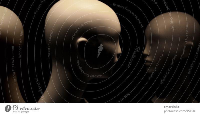 Rivalinnen schön eitel Neid Einsamkeit Freundschaft Schaufenster Glatze Silhouette Vergänglichkeit Kommunizieren Makellos Stolz Narzistisch Äußerlichkeit