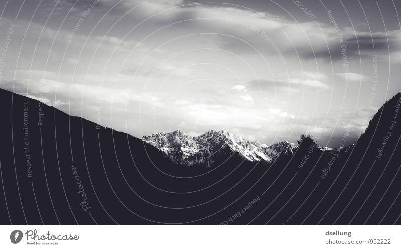 Ausflug ins Graue Umwelt Natur Landschaft Urelemente Erde Himmel Wolken Horizont Sommer Schnee Alpen Berge u. Gebirge Gipfel Schneebedeckte Gipfel Ferne