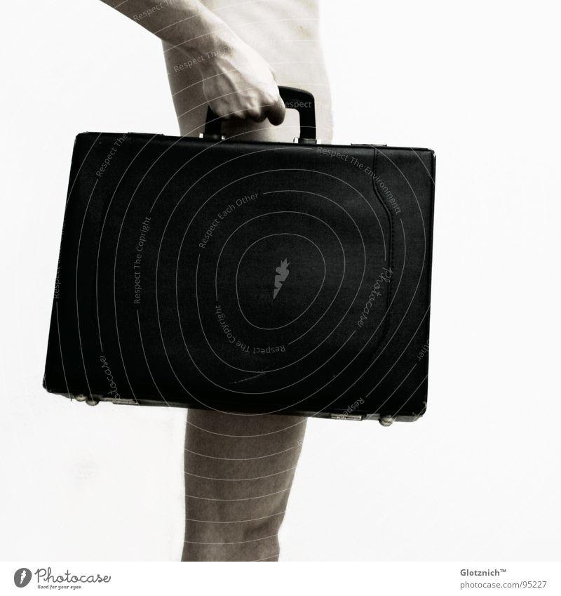 Aktkoffer V Mensch Mann Hand Beine Business Haut Arme Finger stehen Leder Tasche Koffer Griff Knie Gliedmaßen