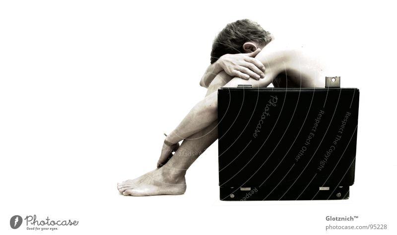 Aktkoffer VI Mensch Mann Hand Kopf Beine Business Haut Arme Finger sitzen Leder Tasche Schulter Koffer Griff Knie