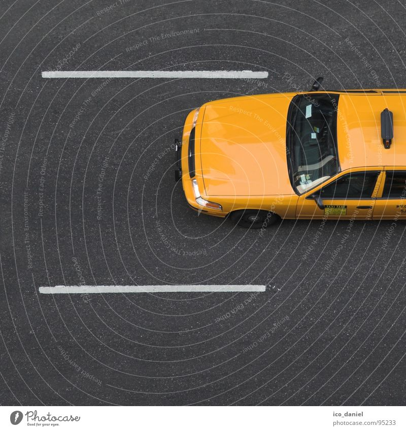 Yellow Cab I - New York City gelb Straße PKW frei Verkehr Geschwindigkeit USA Asphalt Dienstleistungsgewerbe Amerika parallel Autofahren Teer Personenverkehr