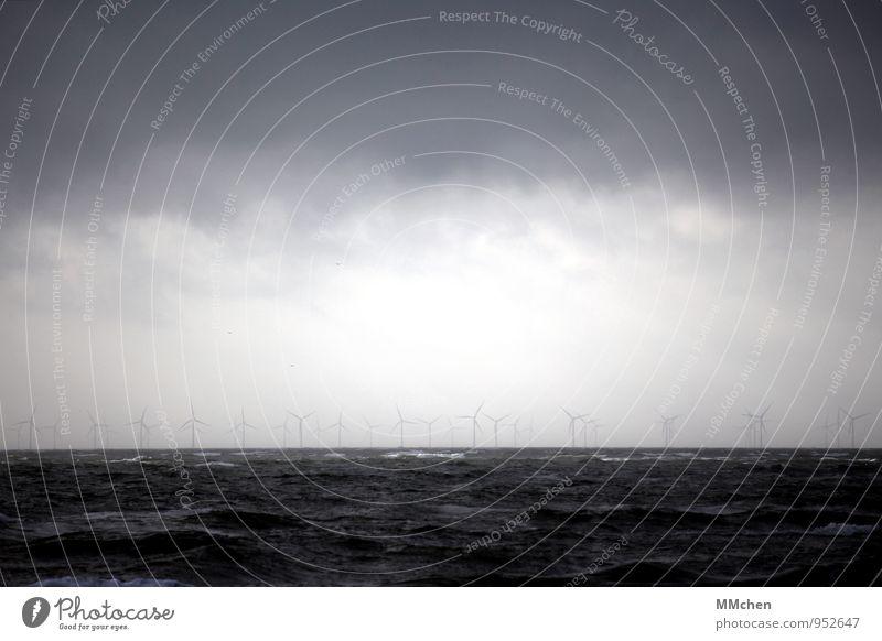 WindEnergie Meer Wellen Energiewirtschaft Windkraftanlage Umwelt Urelemente Luft Himmel Sturm Küste Nordsee drehen blau Zukunft Elektrizität Stromkraftwerke
