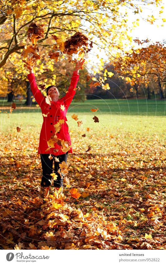 AK# Herbstfreude Frau rot Blatt Freude Kunst Zufriedenheit ästhetisch Herbstlaub herbstlich Mantel werfen Herbstfärbung Herbstbeginn spaßig Herbstwetter